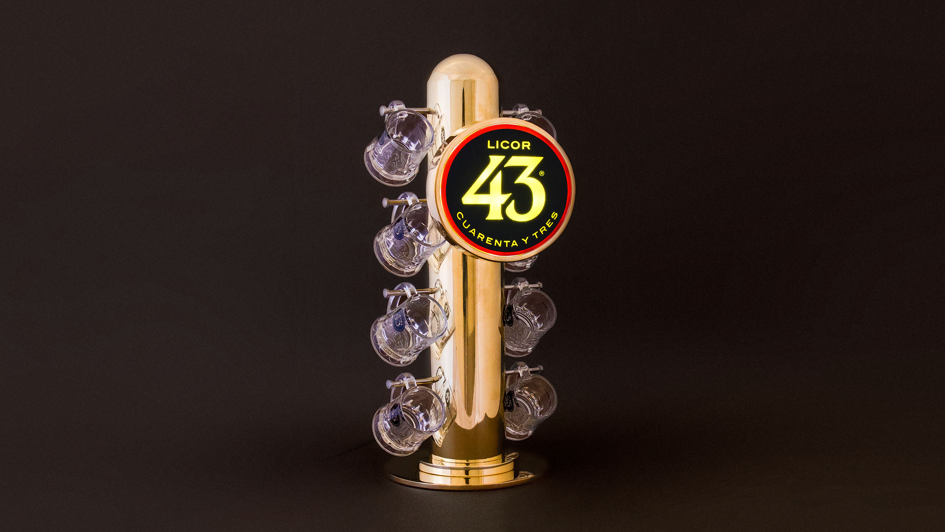 Licor 43. Mini-Beer Faucet Stand